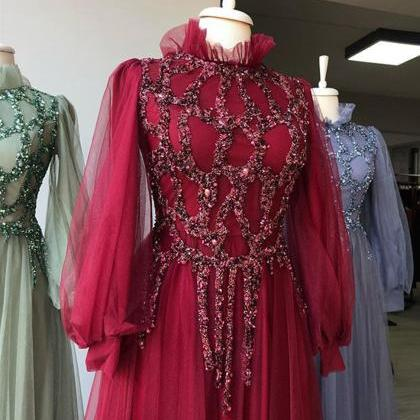 Red/ Green/ Lilac Elegant Muslim Wo..