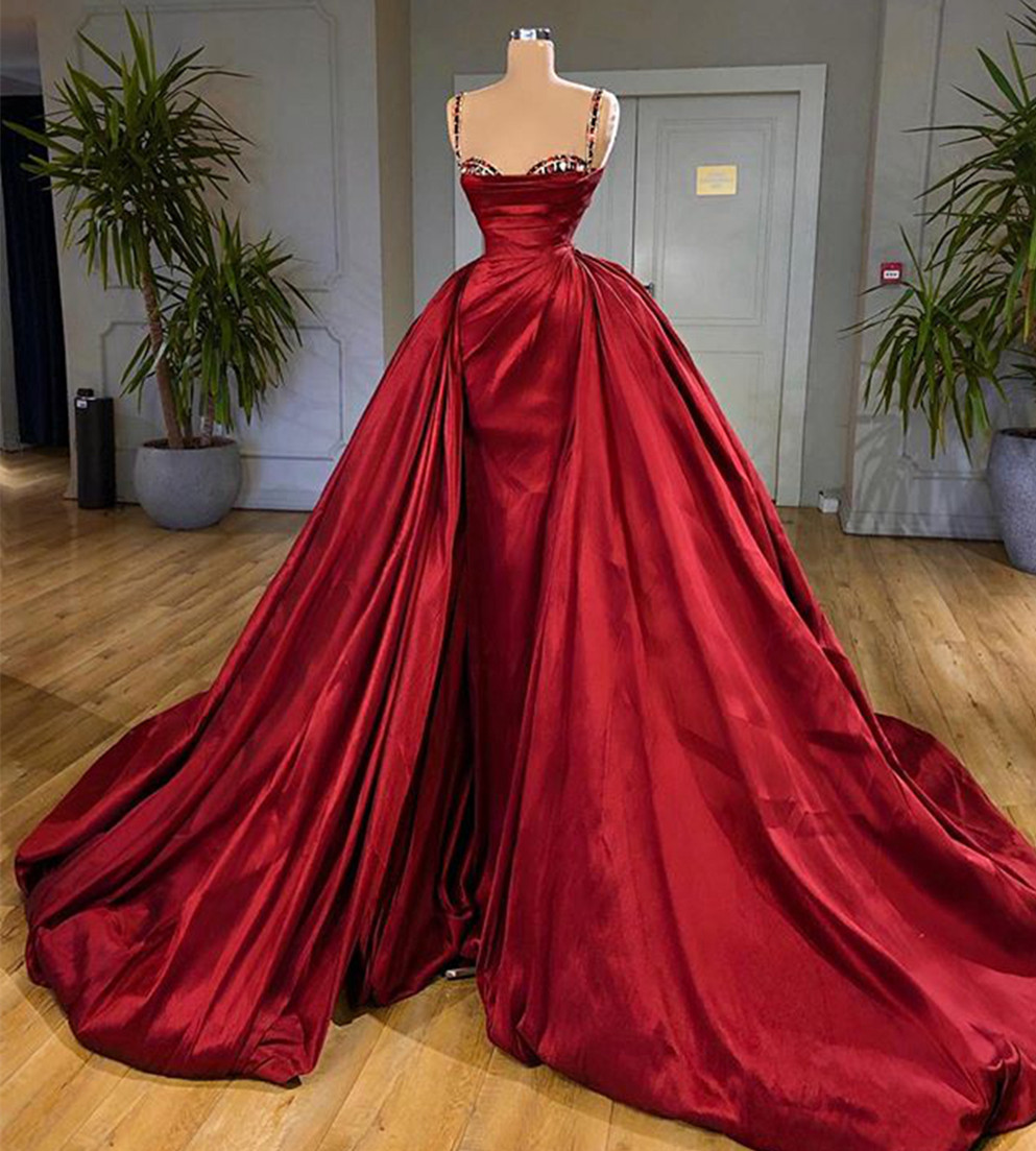 Sexy Spaghetti Strap Red Prom Dress Long Satin Formal Women Evening Dresses with Long Detachable Train Vestidos De Festa